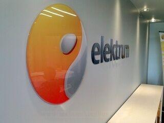 Elektrum pleksiklaasist logo