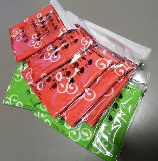 Putkihuivit pakkauksessa